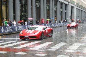 défilé de voiture italienne